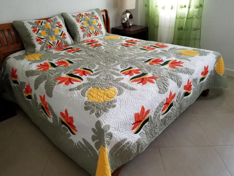 *Pineapple-Birds of Paradise-MC<br>2 pillow shams included<br><font color=red>Superior Materials</font>