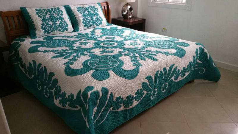 *Sea Turtles-Ilima-Plumeria-TG<br>2 pillow shams included<br><font color=red>Superior Materials</font>