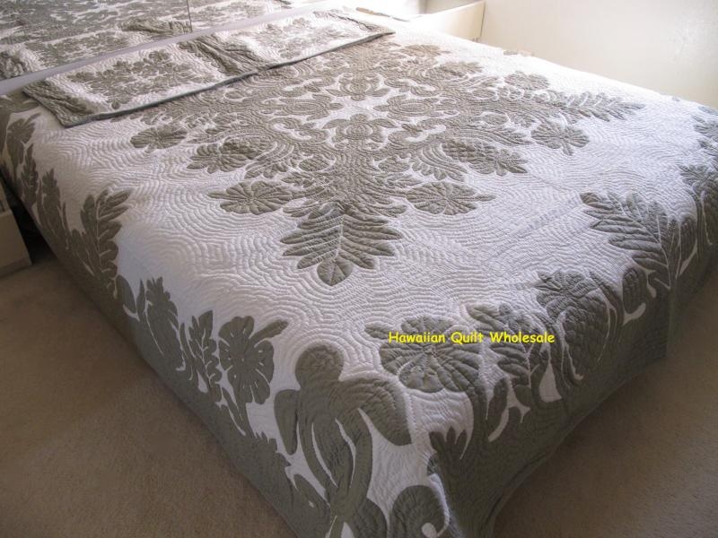 *Breadfruit-Sea Turtles-Pineapple-Hibiscus-CG<br>2 pillow shams included<br><font color=red>Superior Materials</font>