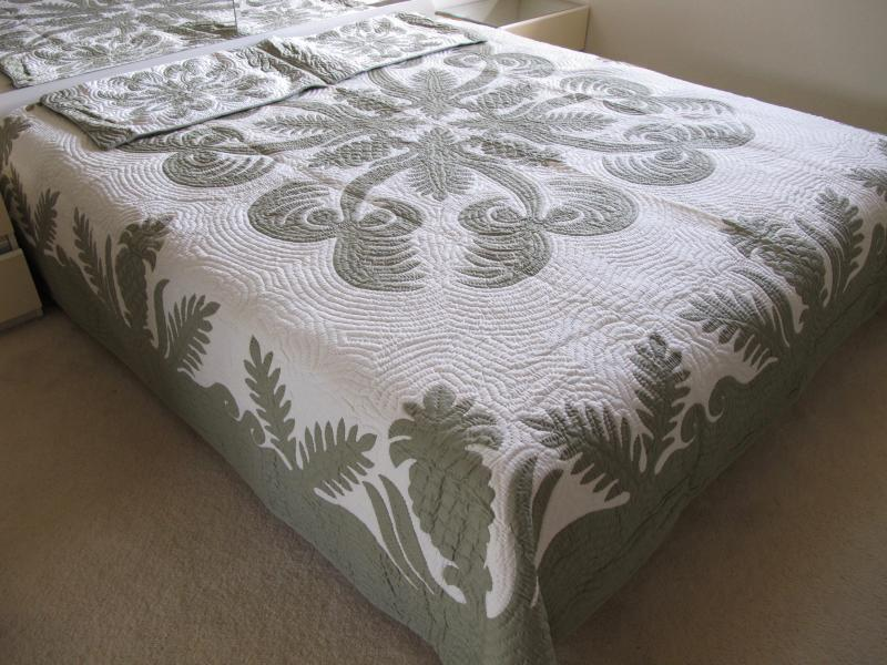 Pineapple-Fern-Coconut-CG<br>2 pillow shams included<br><font color=red>Super Fine Materials</font>