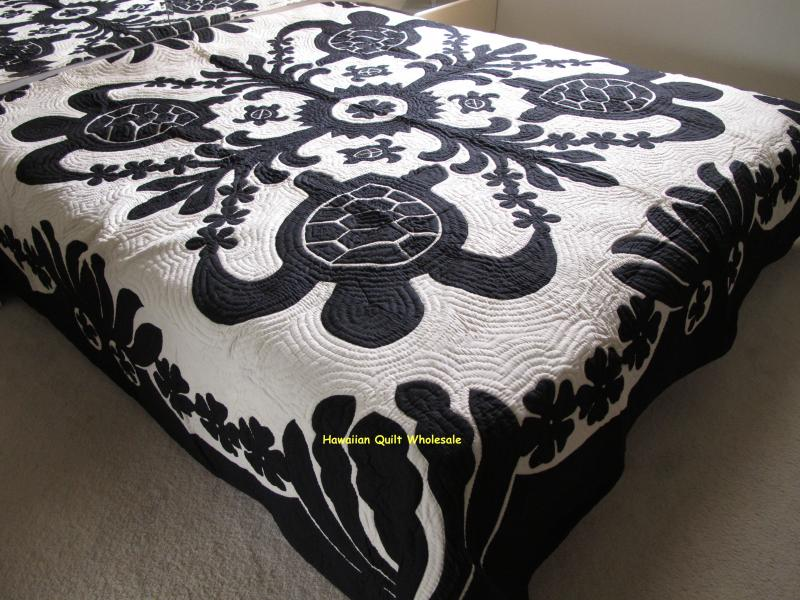 Sea Turtles-Ilima-Plumeria-BLK <br> 2 pillow shams included<br><font color=red>Superior Materials</font>
